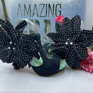 Irregular Choice 8 1/2 Blk White Polka Dot Flower